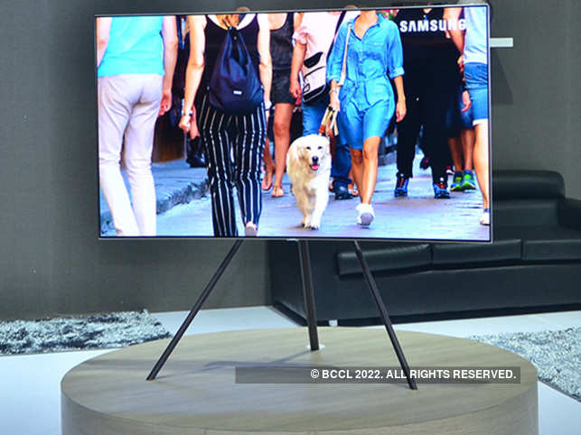 The bezel less design makes the TV look premium and eye-catching.