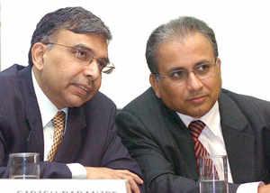 Wipro staff have to take test for promotion: Joint CEOs Girish Paranjpe & Suresh Vaswani