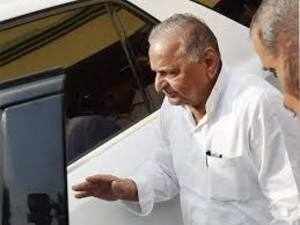 Mulayam has largely succeeded in pacifying tempers in both camps.