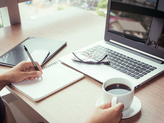 Content writing - 9 online jobs that offer up to Rs 4,000 per hour