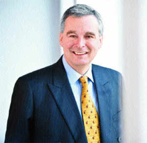 Michael G Rees, ED & CEO, StanChart group