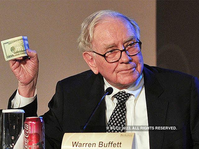 Warren Buffet: Warren Buffet's life hacks: No smartphone ...