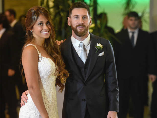 Lionel Messi Finally Tied The Knot With Long Term Partner And Childhood Sweetheart Antonella Roccuzzo At His Hometown In Argentina