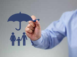If you are unmarried, it only makes sense for you to buy an insurance policy if you have financially dependent parents.