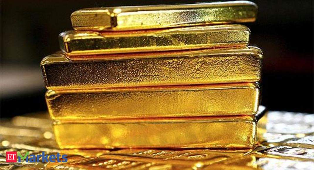 Indians Rush To Gold From Dubai