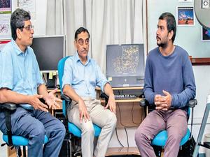 (L-R) Somak Raychaudhury, Joydeep Bagchi and PhD student Shishir Sankhyayan