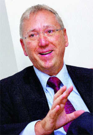 Prof. David V Day, advisors to companies and organisations