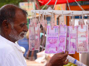 The Opposition in Rajya Sabha today asked FM Arun Jaitley to clarify whether the government has decided to scrap the newly launched Rs 2,000 note.