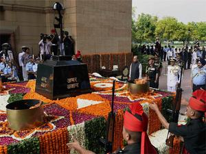 Army pays tribute to fallen soldiers on Kargil Vijay Diwas