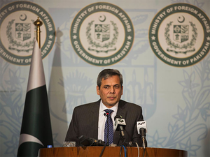 Backchannel dialogue on with India, says Pakistan