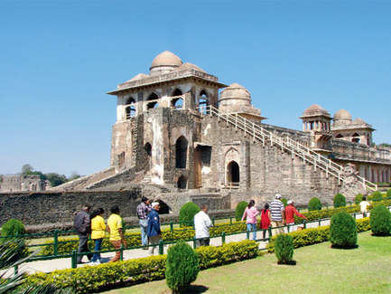Here's why you should plan a trip to Mandu during the rains