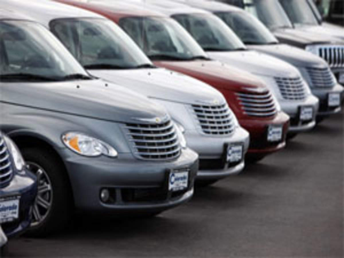 Chrysler recalls 35,000 Dodge Calibers over 'sticky' pedals - The