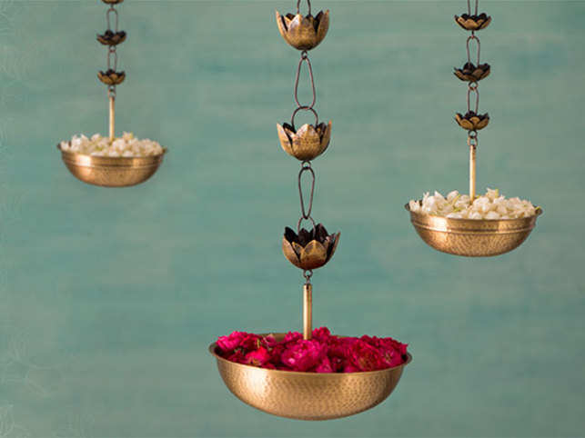 The Anjali hanging diyas by Good Earth add elegance to any space.  (Image: goodearth.in)
