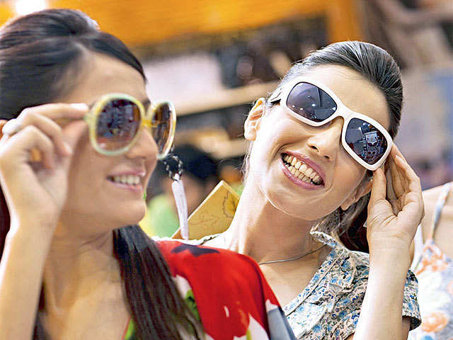 Fashion unlimited: In Kolkata's BK Market, latest Asian trends at throwaway prices