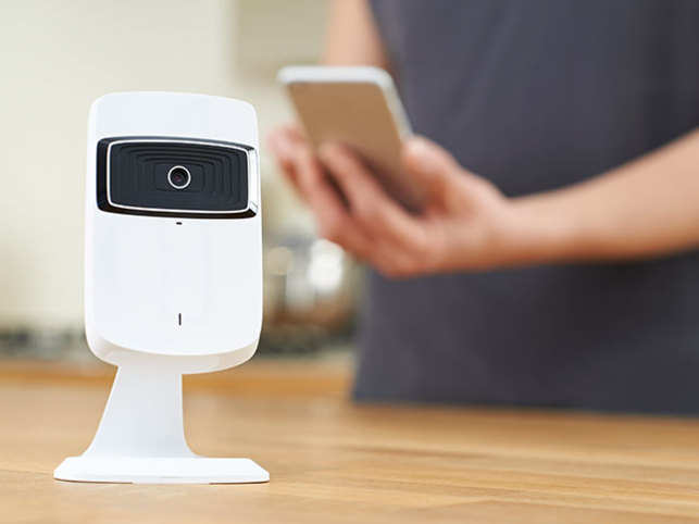 Use your old Android phone as a home security camera, download