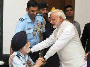 PM Narendra  Modi recalled how the ageing war hero stood up to salute him despite his ill health.