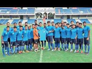 The U-17 team with India captain Sunil Chhetri (in orange)