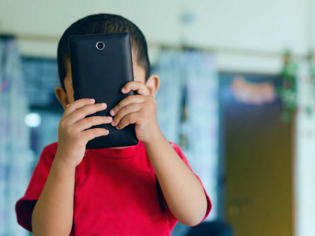 Kids Who Own Cellphones More Likely to be Cyberbullied