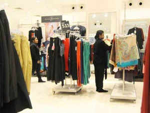 In addition to the bigger retailer and brands, the mid-size brands from across the world are also looking to cash on the relaxed retail policy in India.