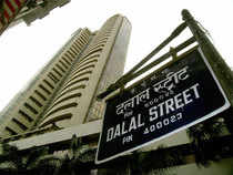 India's wealthy beware: the country's booming stock market could be nearing a peak.