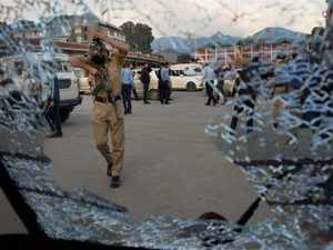 2 killed in grenade attack, Jammu and Kashmir minister escapes unhurt