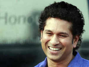 Tendulkar picked up broom to clean the streets of suburban Bandra early this morning to spread the message of cleanliness and extend support to the central government's 'Swachhata Hi Seva' campaign.