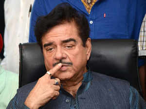 Shatrughan also praised Arun Shourie, who was Yashwant's colleague in the Atal Bihari Vajpayee Cabinet and now has become a strong critic of the Modi government's policies.