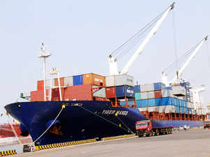 The finance ministry yesterday stated that the government has decided to exempt small exporters from furnishing bank guarantee for shipping goods and services.
