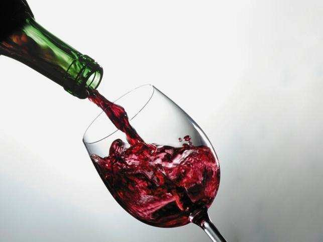 The researchers assessed how different prices are translated into corresponding taste experiences in the brain, even if the wine tasted does not differ.
