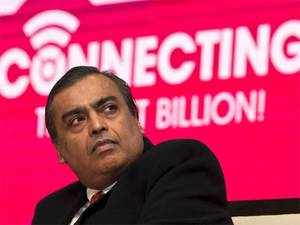 Reliance Industries Chairman and Managing Director Mukesh D Ambani and Bharti Enterprises Chairman Sunil Bharti Mittal shared stage at the event.