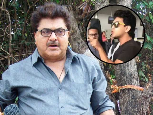 Ashoke Pandit slams Aditya Narayan for misbehaving with Indigo staff