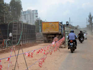 The segments that are extremely clogged with slow-moving vehicles are Graphite India main road, Hoodi circle, Sadaramangala road, ITPB road.