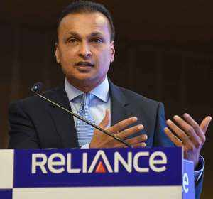 Watch: RCom fate hangs in balance; stock tanks 9% post Aircel deal collapse