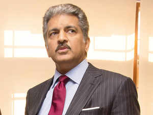 The vehicle producer is M&M, the technology producer and component supplier will be Mahindra Electric, which part from E20 plus will not produce anything. (In pic: Anand Mahindra)