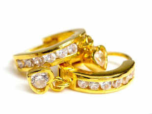 Now jewellers will not have to report data on buyers to Financial Intelligence Unit.