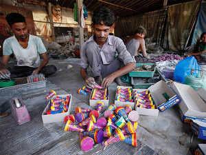 Firecrackers ban in delhi no sale of firecrackers in delhi ncr ahead of diwali supreme court bans sale of firecrackers in delhi ncr solutioingenieria Gallery