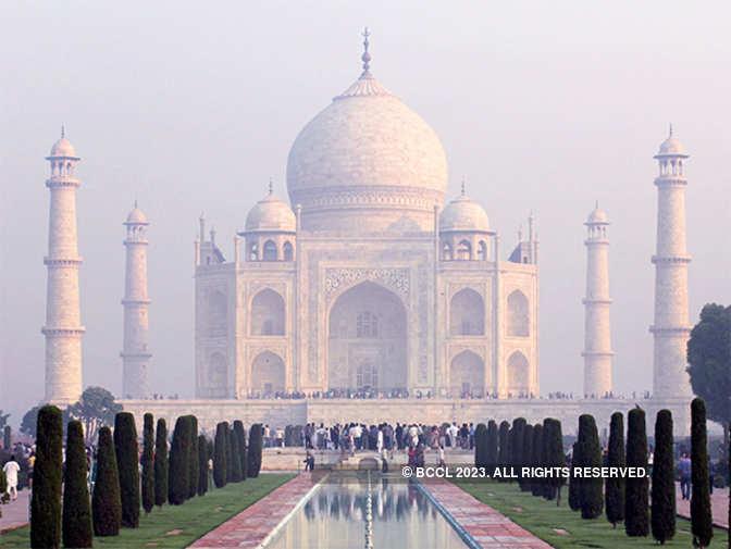 Taj mahal tourism essay