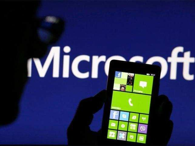 Bill Gates has already stopped using Windows phone.