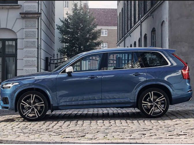 xc90 volvo cars rolls out locally assembled luxury car from plant near bengaluru the economic. Black Bedroom Furniture Sets. Home Design Ideas