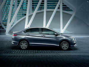 The Hyundai Elantra is the only full-sized sedan that you can buy under Rs 15 lakh.