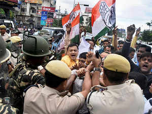 Congress workers staged protest on Sunday. APCC president Ripun Bora said comparing Jawaharlal Nehru and Mahatma Gandhi with garbage is an unpardonable offence.