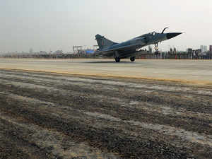 20 aircrafts to touchdown on Lucknow-Agra Expressway Tuesday