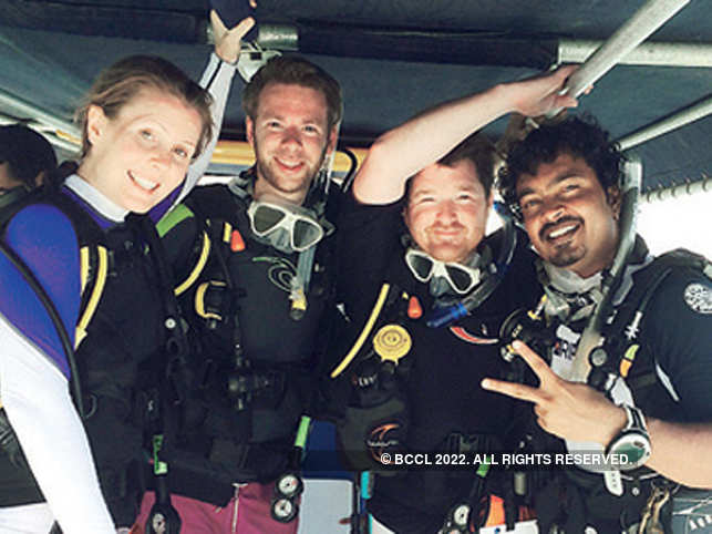Ranjith Punja (right) with other divers