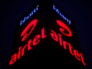 The total cash-back from Airtel will be offered in two stages – Rs 500 after 18 months, and another Rs 1,000 after 36 months – will bring the effective cost of the device under Rs1,500.