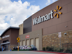 Walmart's store expansion, which was put on hold for a few years, will begin aggressively, said the company.