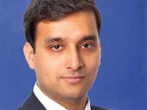 Manoj Dengla previously led successful investments in renewable energy at Goldman Sachs SSG in New York. He is a Baker Scholar MBA from Harvard Business School.