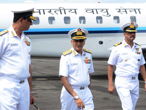 Navy Chief Sunil Lanba in France, to hold talks with top military brass