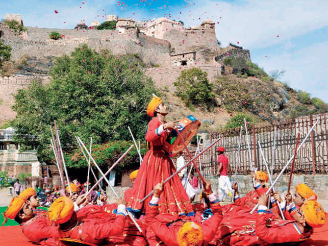 Group of local artiste perform in Kumbhalgarh, Rajasthan.