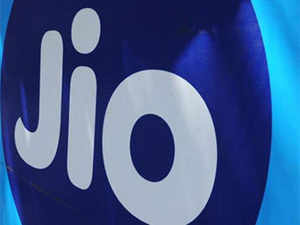 For launching VR app Reliance Jio is planning  collaborate with experts at Birmingham City University in England.