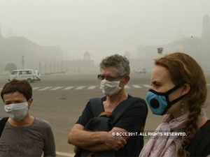 Delhi smog: Odd-even returns in Delhi, HC issues emergency directives